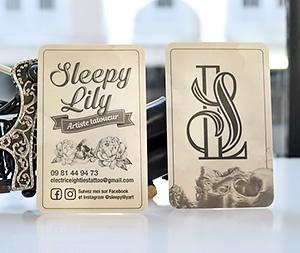 Création des cartes de visite pour la tatoueuse Sleepy Lily chez Electric Eighties Tattoo, Lille.